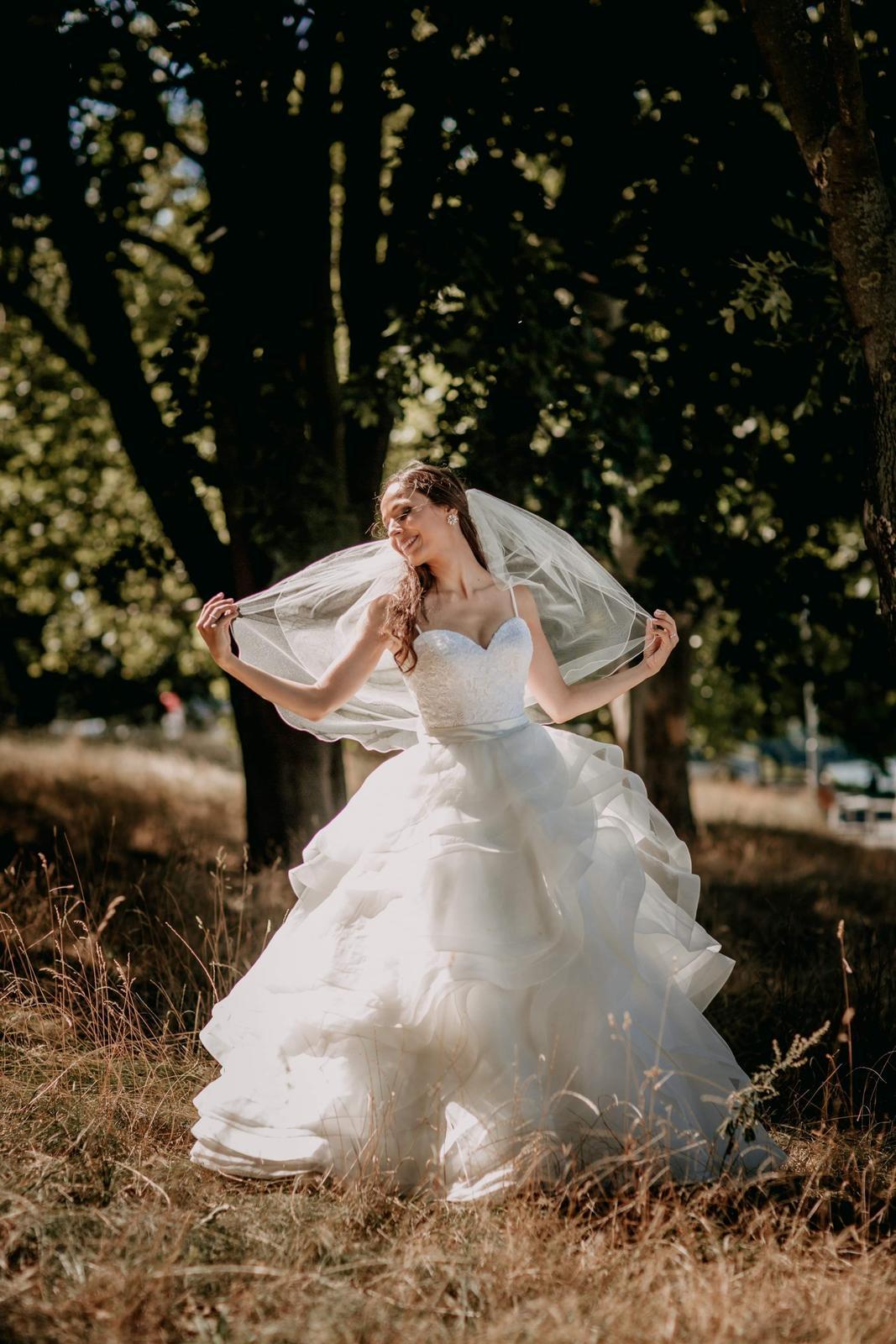 Exkluzívne svadobné šaty Allure Bridals - Obrázok č. 2