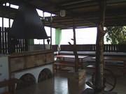 a snad se tam nějak vejdeme i na tanečky, je tam z druhého pohledu nekrytá teráska a výhled na Vltavu