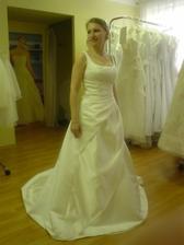 Sofie šaty na mně - mají je v Adině v Holešovicích a v Adině v Karmelitské