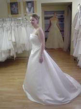 pro nevěsty, které chtějí jednodušší šaty - Adina v Holešovicích