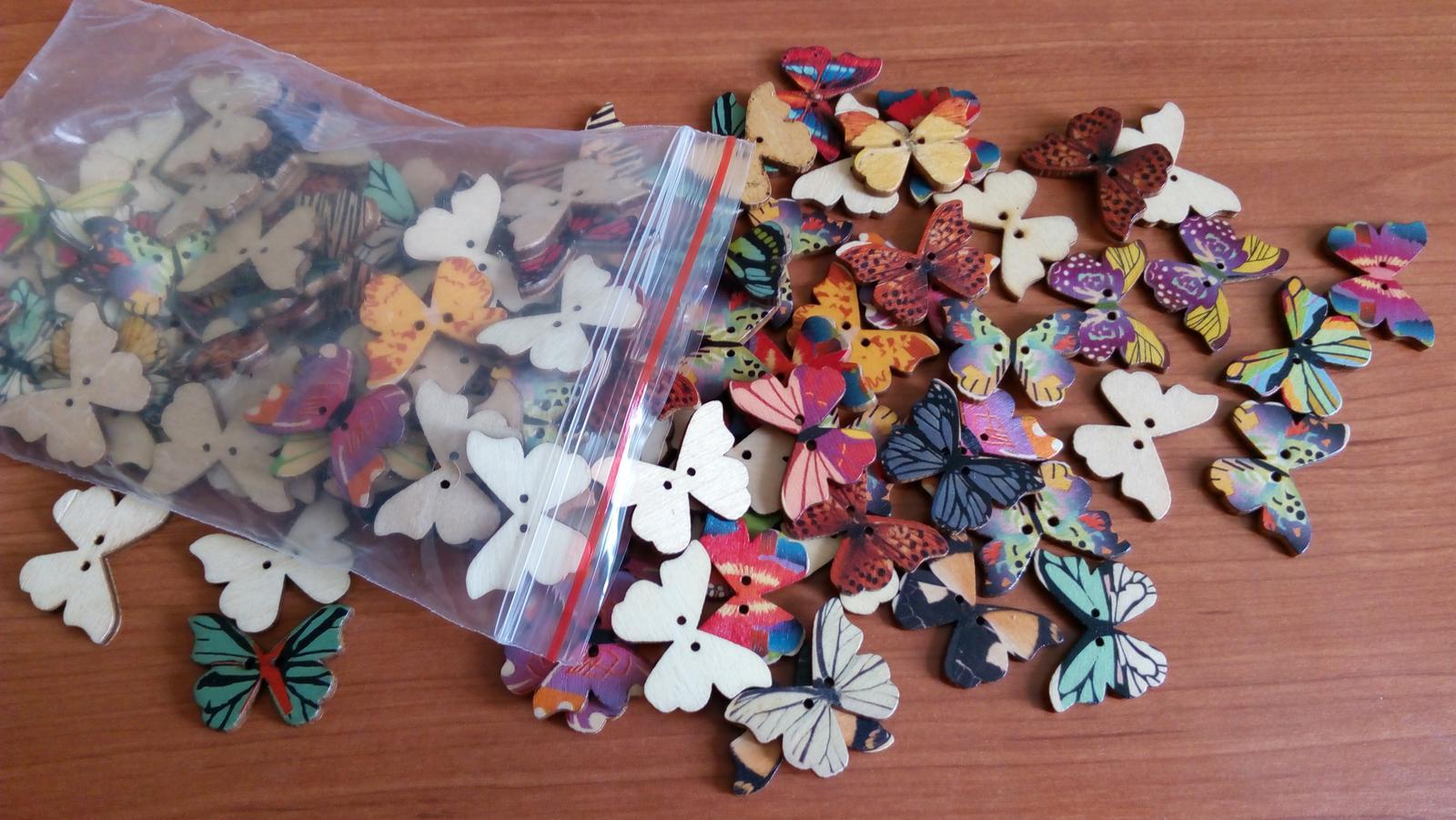 knoflíky motýlci k dekoraci i na vývazky - dřevěný - Obrázek č. 3