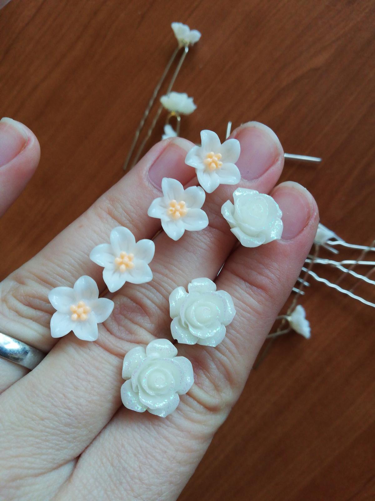 vlásenky bíly květ , sponky - Obrázek č. 1