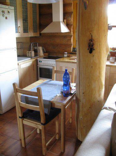 Jak se žije ve srubu - Kuchyně v lese