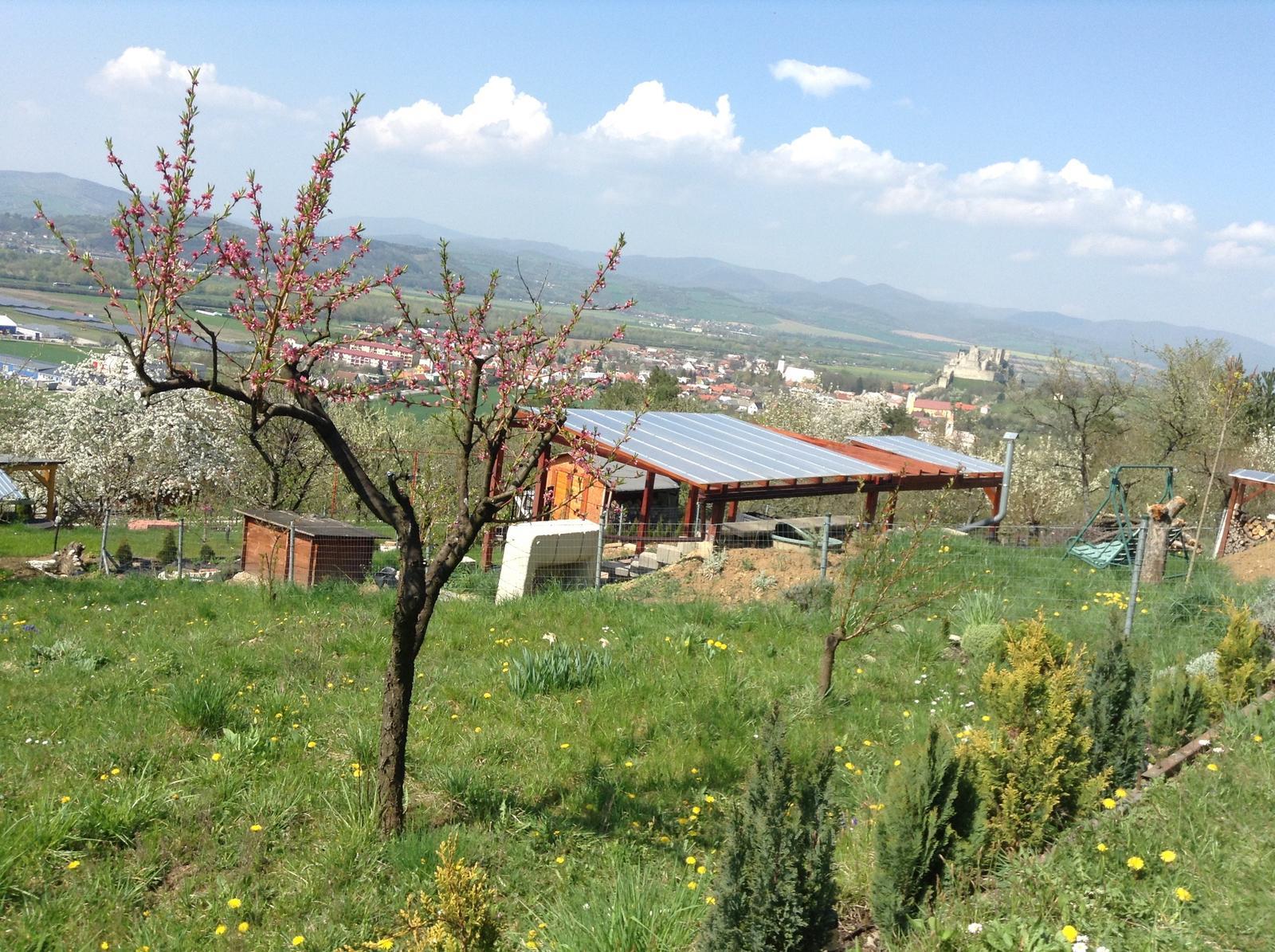 """""""Domček"""" - takýto výhľad bude z budúcej terasy... ak sa terasa zrealizuje :)"""