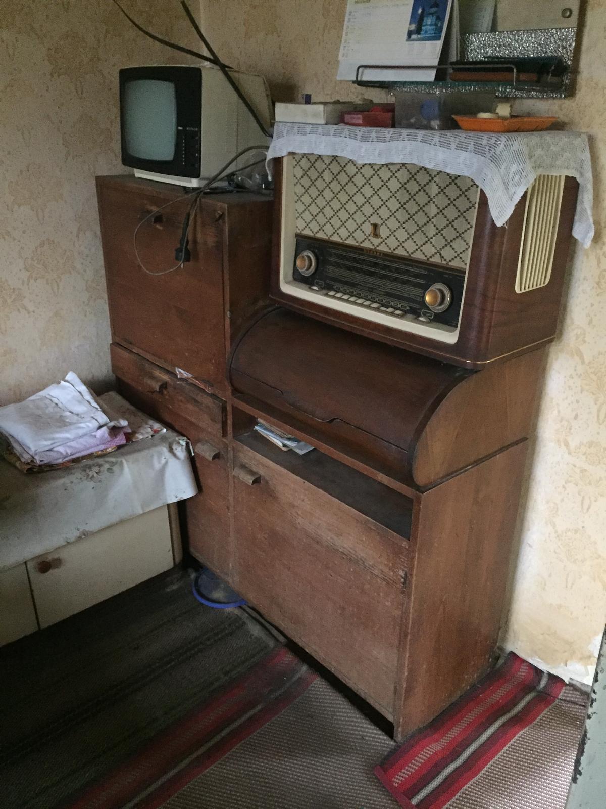 Perníková chalúpka - rádio je funkčné, akurát som nevedela nič naladiť....  nevadí, doriešim