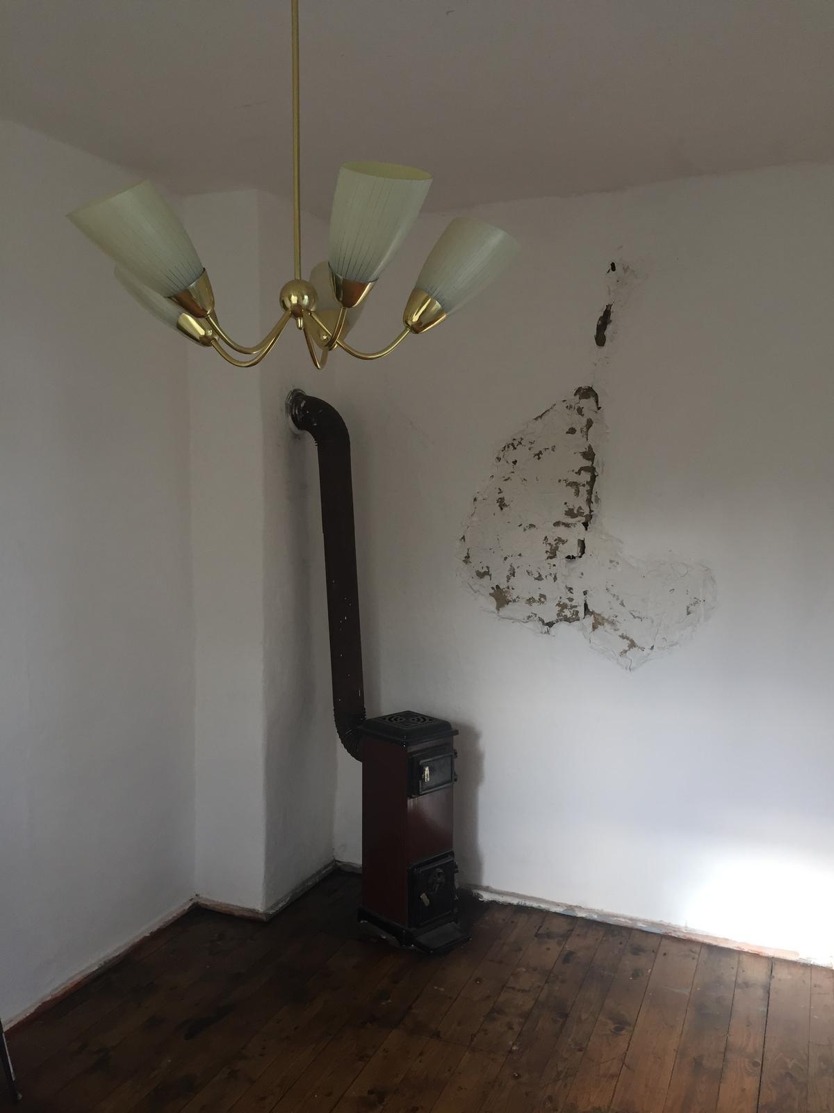 Perníková chalúpka - hotovo ❤️  - teda az na tu dieru v stene;)