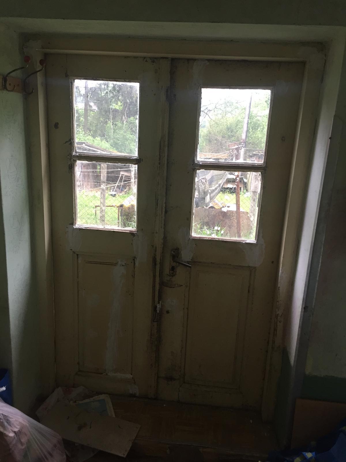Perníková chalúpka - tretie dvere z verandy - tieto som prehlasila za hlavne a budu sa pouzivat, zvysne dvoje budu plnit len dekoracnu funkciu ;)