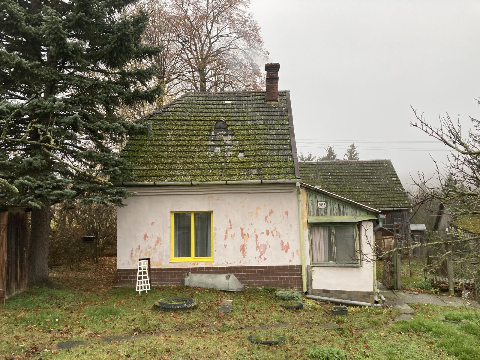 Dom - tento rok sa nakoniec strecha nestihla, uloha ostava na rok 2021
