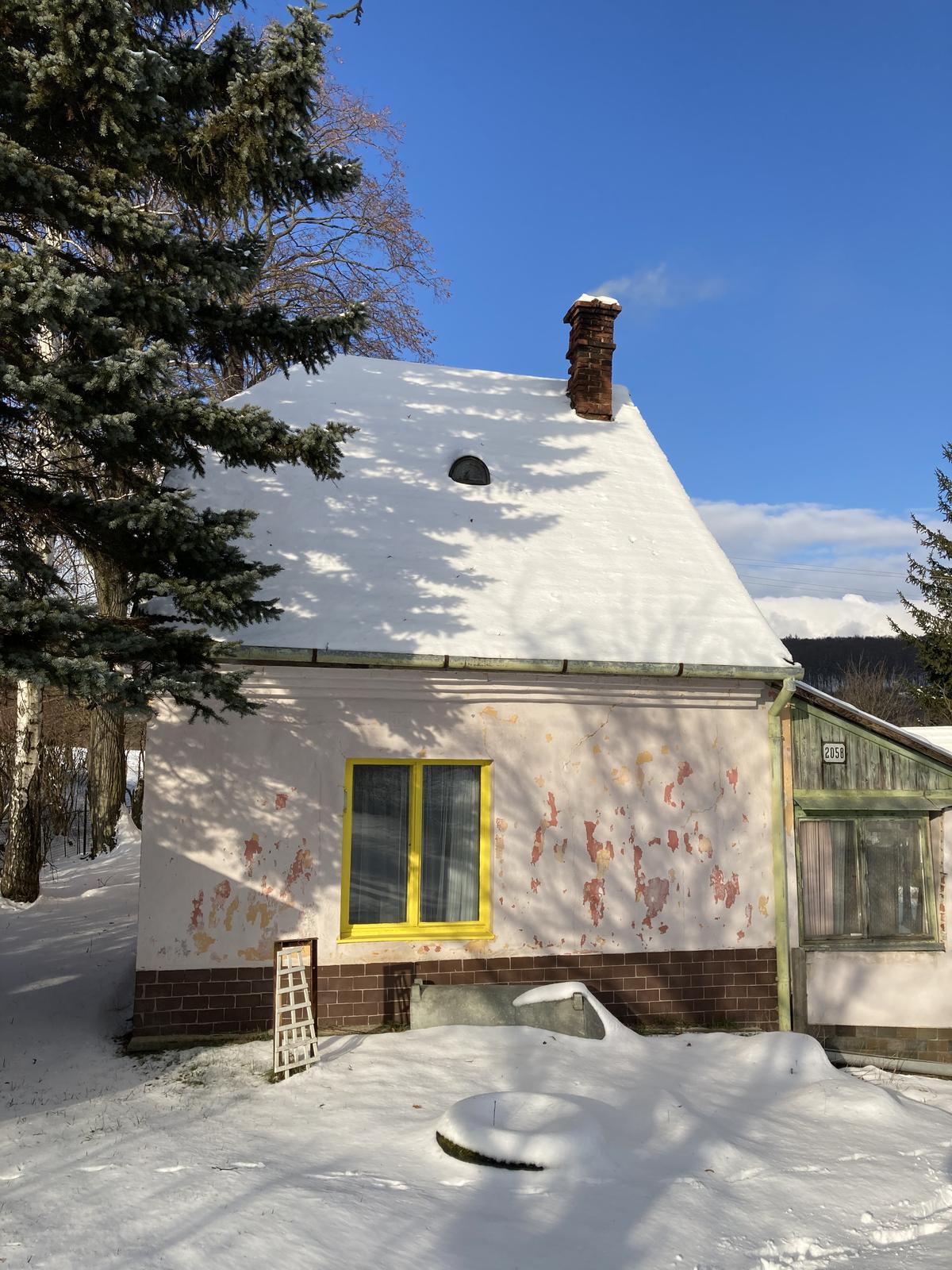 Dom - ....slnko, sneh a dym z komina....