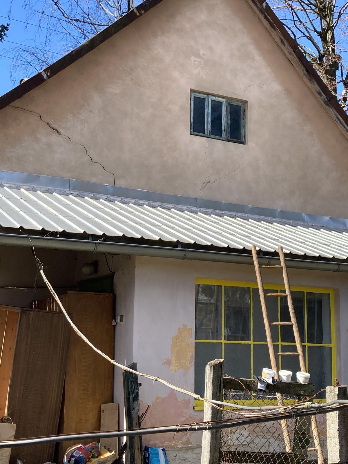 Dom - vsetko nakupene, ide sa na opravu fasady