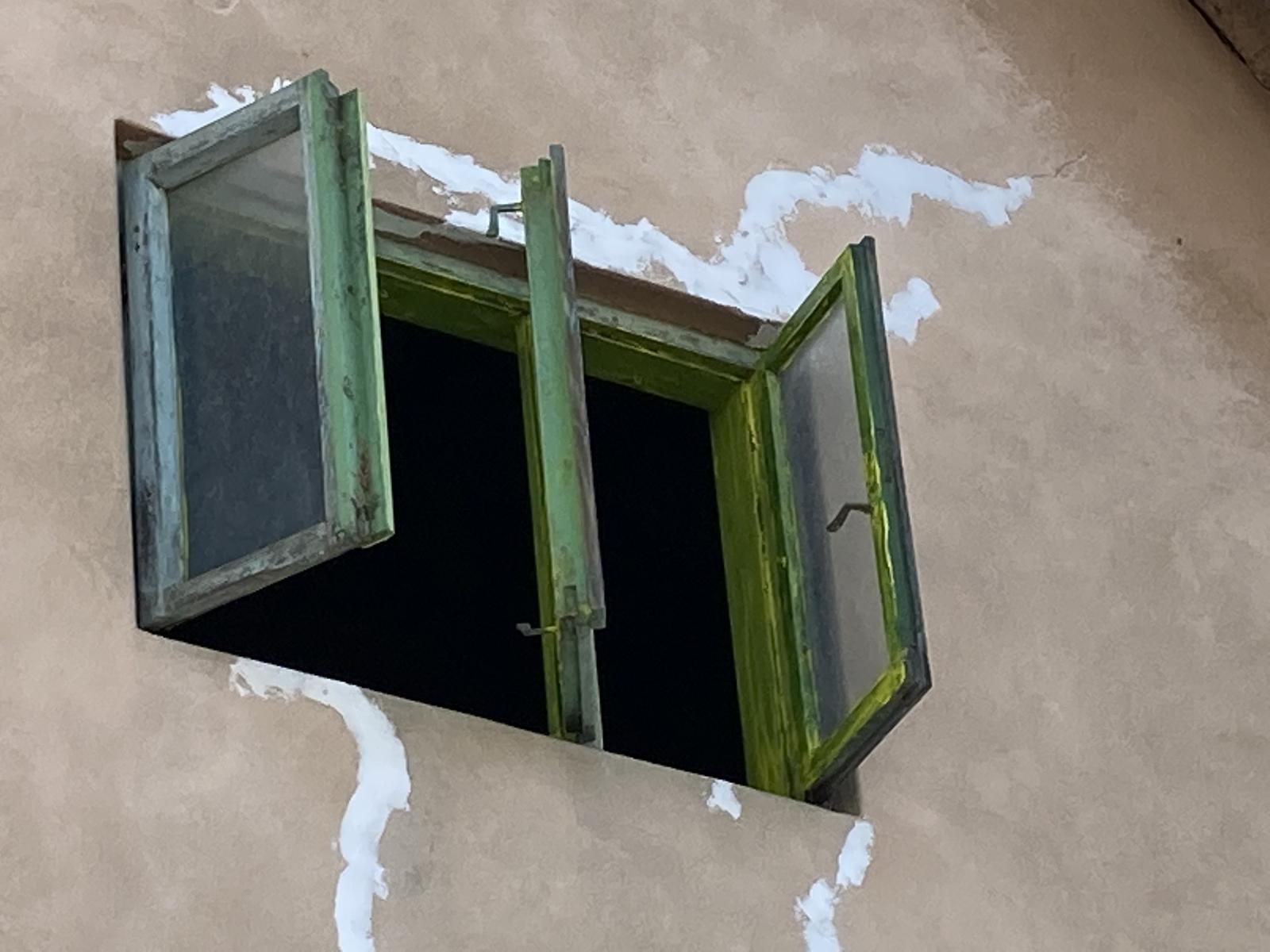 Dom - prvy nater ani nevidno 🤷🏼♀️
