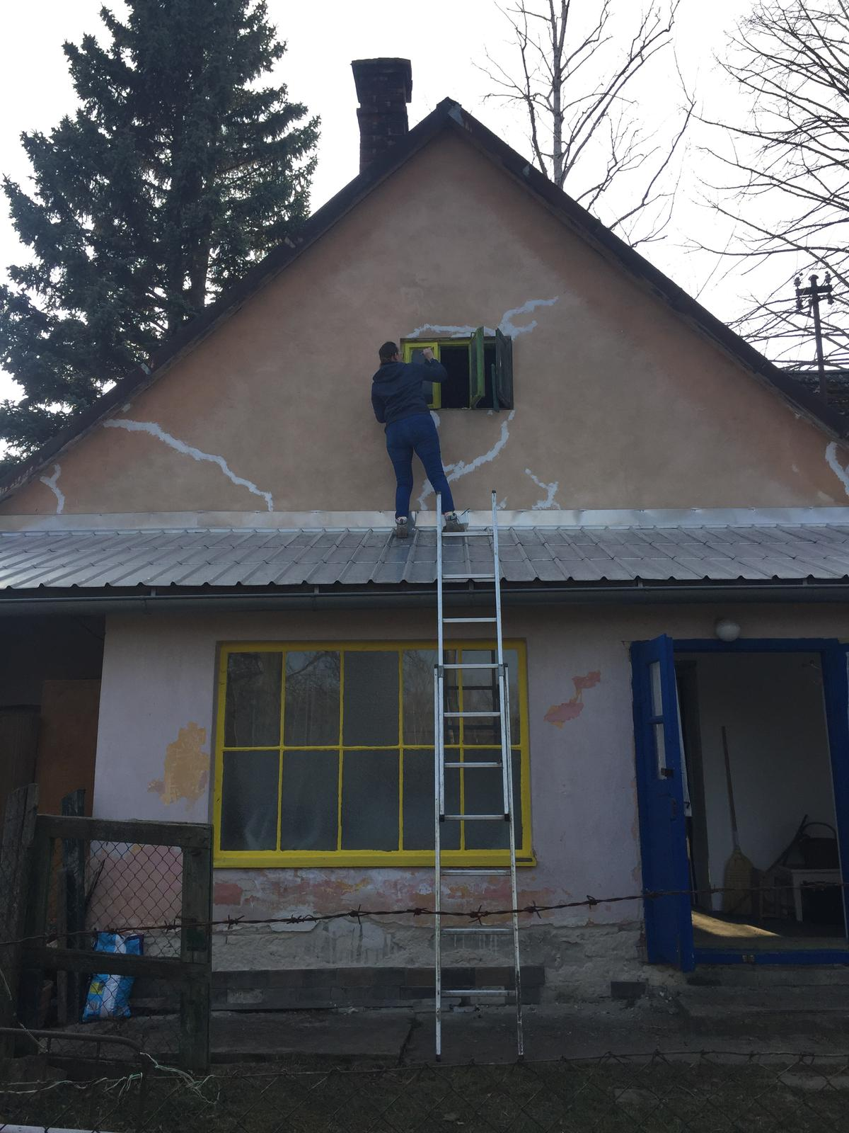 Dom - ...a znova som na streche....