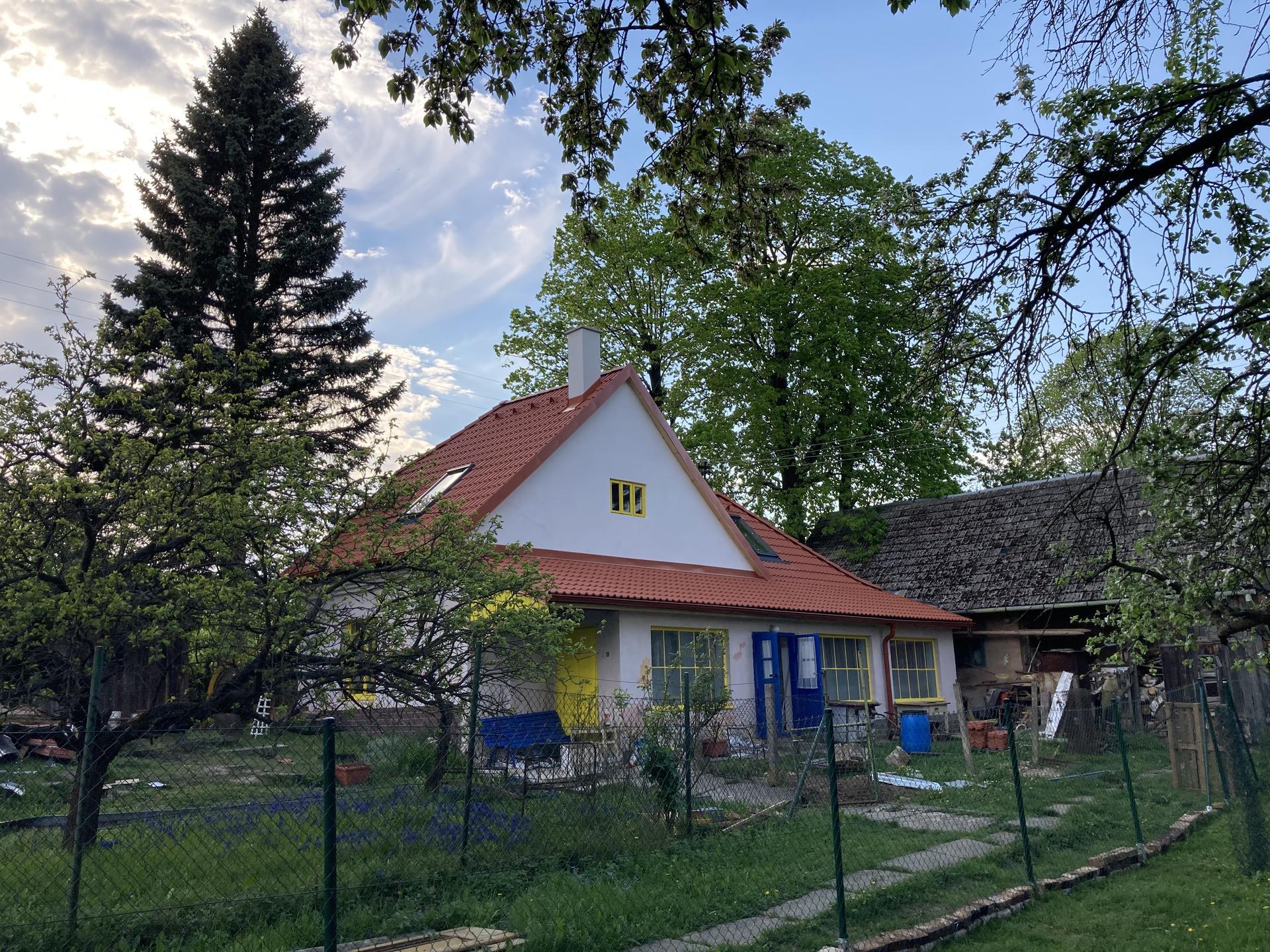 Perníková chalúpka - strecha hotovo :)