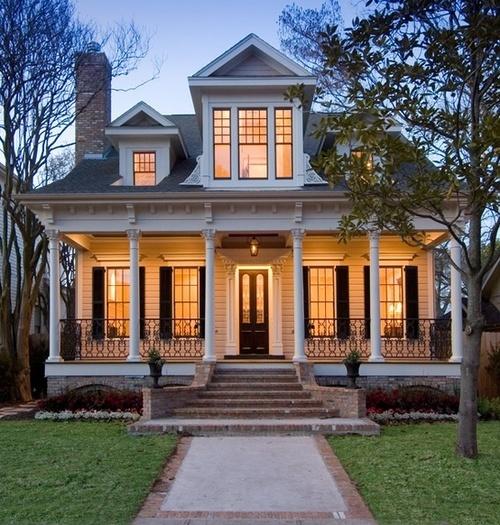 Môj sen, ktorý raz bude realitou :) - Snívam o malom domčeku s verandou...a o oknách s okenicami...