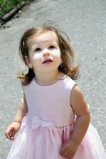 *To je naše dcera Laura*