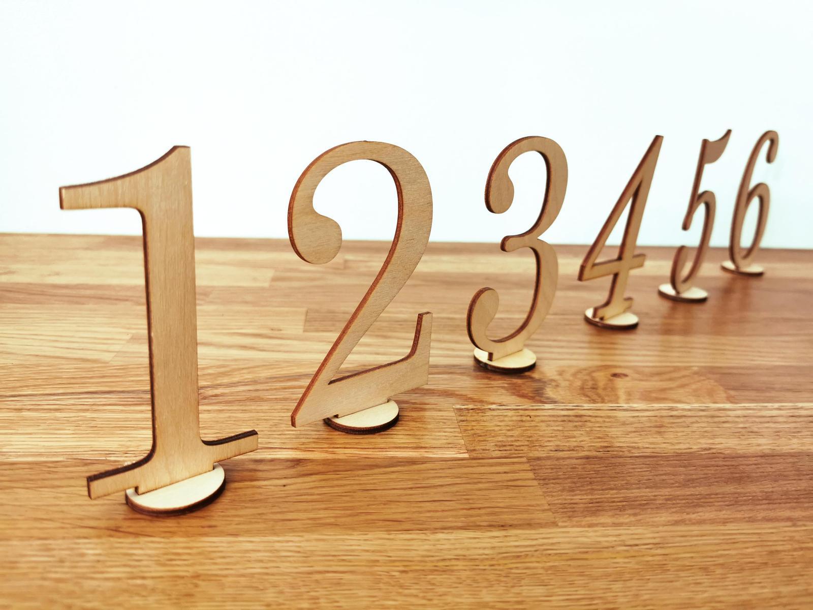 Dřevěná čísla na stoly - Obrázek č. 1