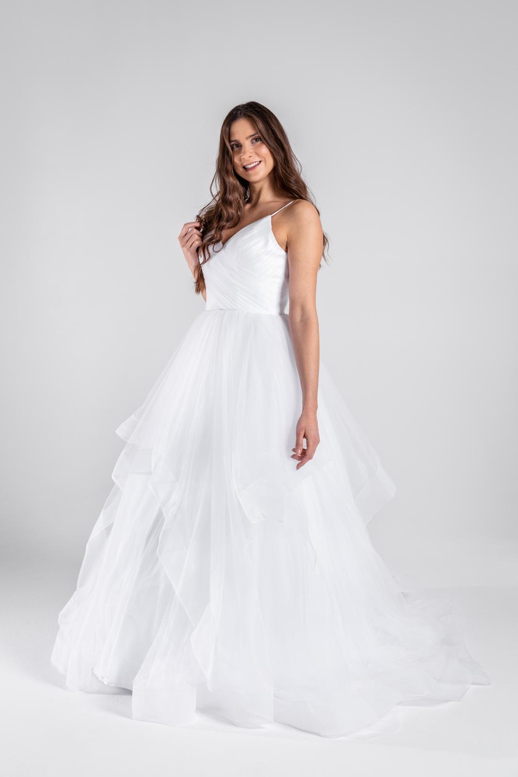 Svatební šaty s nadýchanou sukní 34-38 - Obrázek č. 1