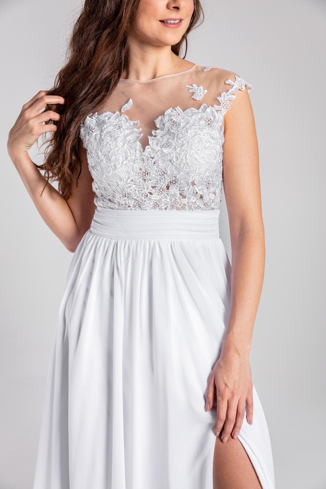Svatební šaty v BOHO stylu se sexy rozparkem 34-40 - Obrázek č. 1