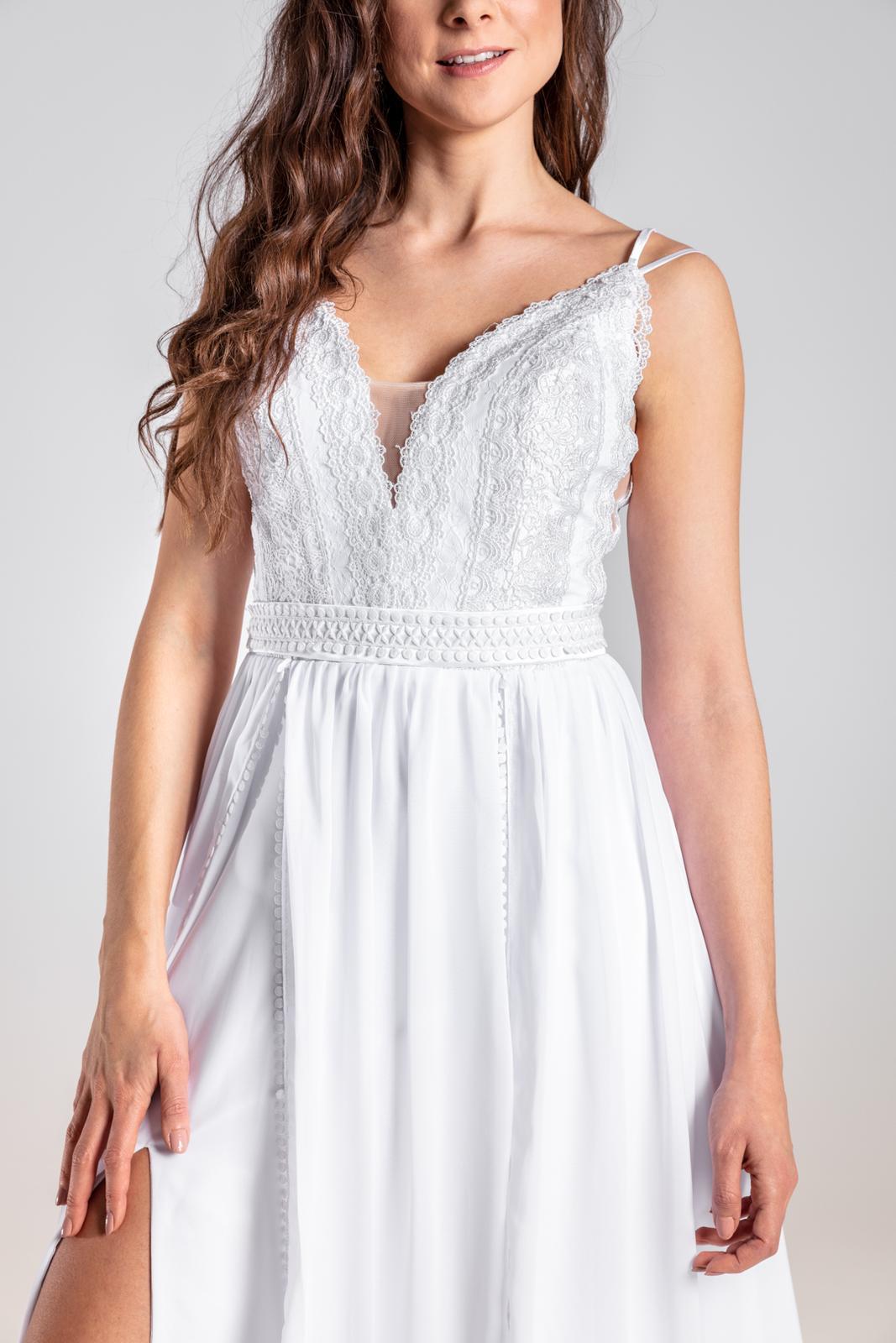 Úžasné svatební šaty s krajkou a rozparkem, 36, 40 - Obrázek č. 2