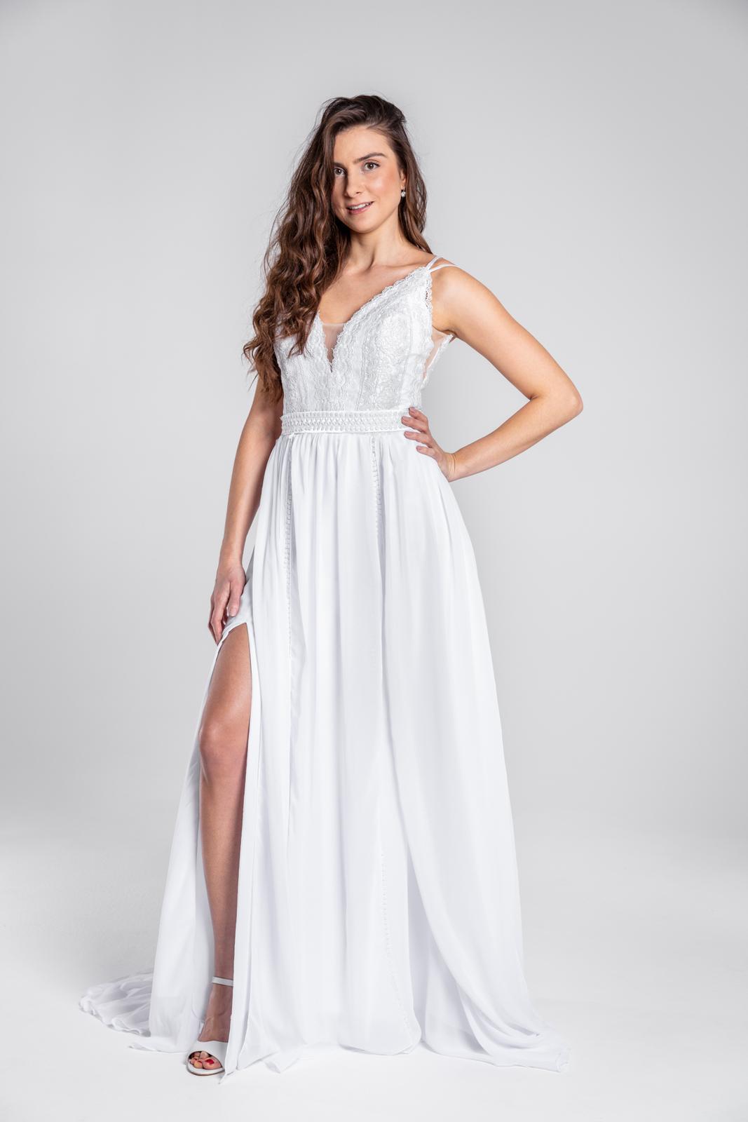 Úžasné svatební šaty s krajkou a rozparkem, 36, 40 - Obrázek č. 1