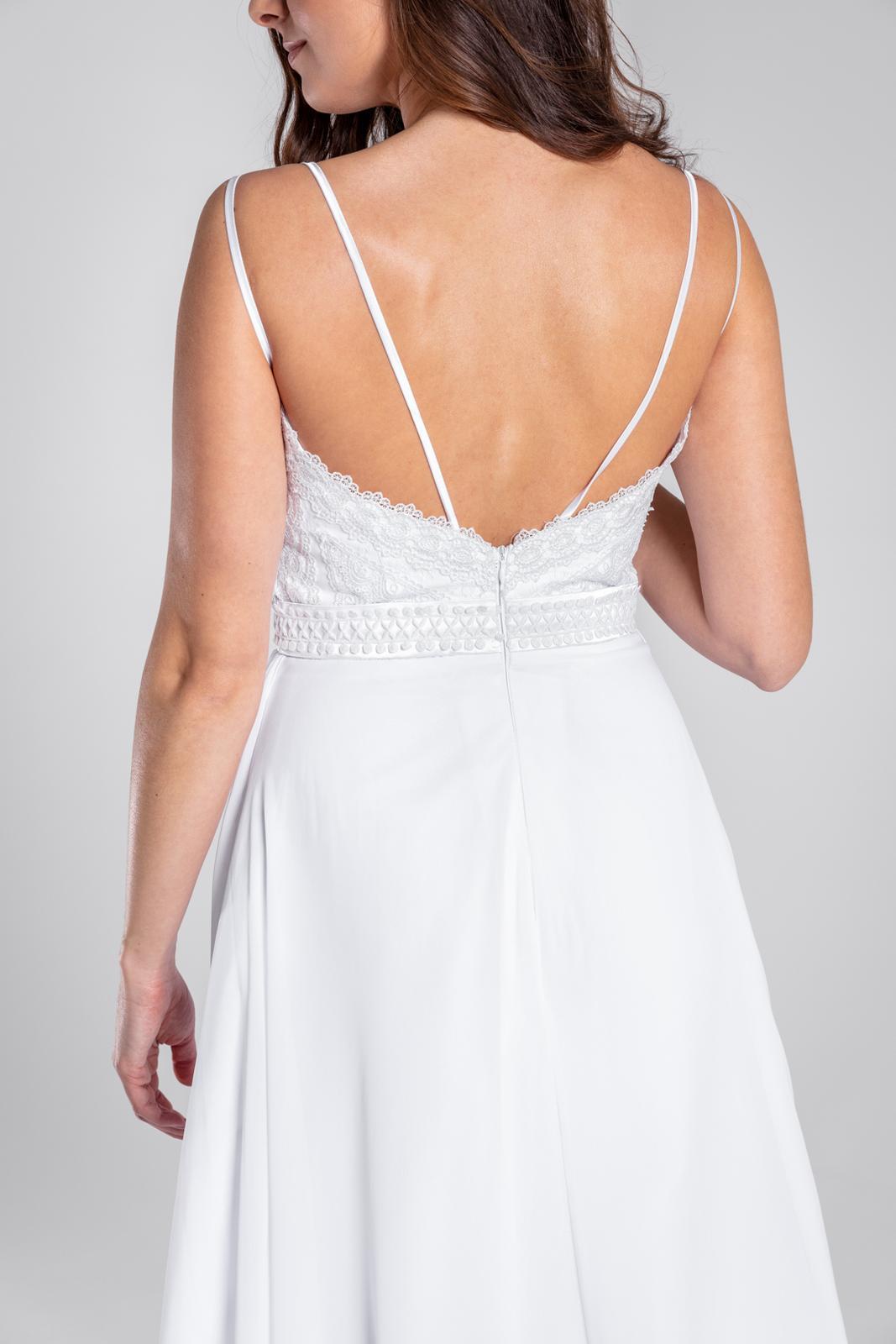 Úžasné svatební šaty s krajkou a rozparkem, 36, 40 - Obrázek č. 4