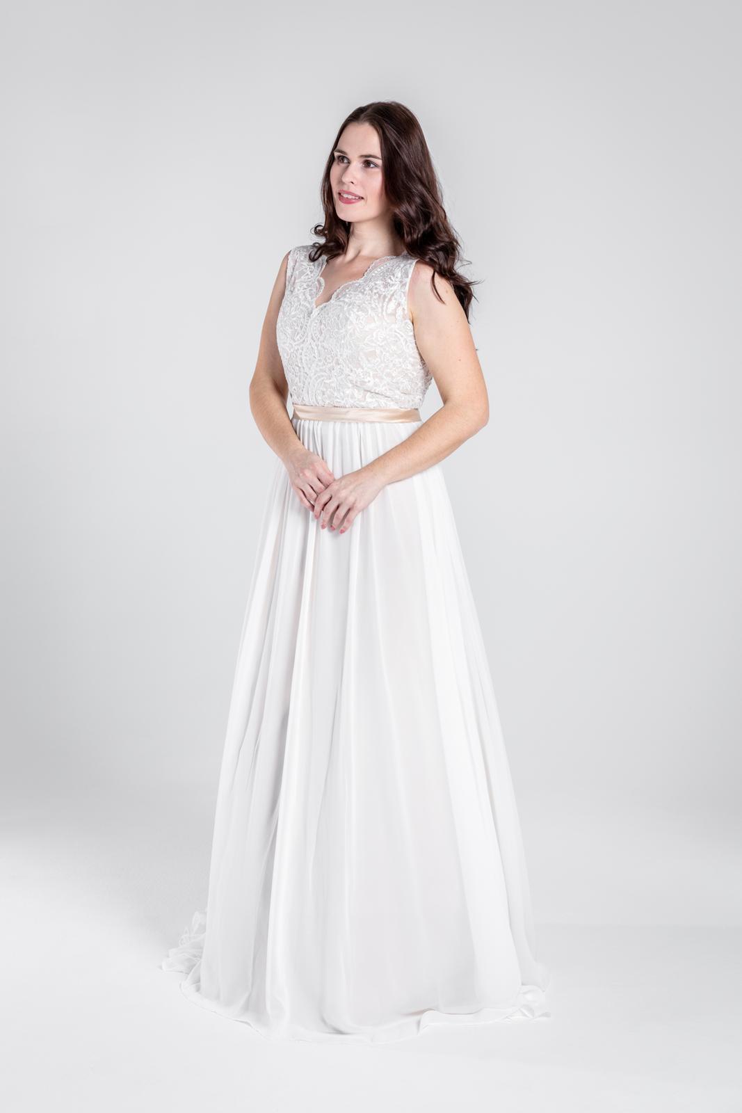 Svatební šaty v boho stylu na šněrování, vel 38-44 - Obrázek č. 2