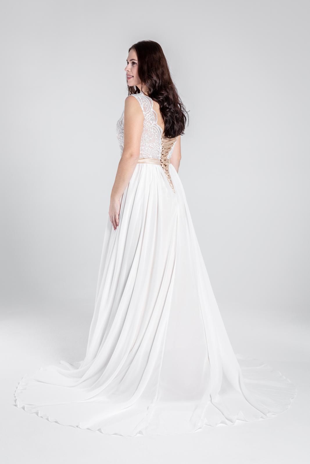 Svatební šaty v boho stylu na šněrování, vel 38-44 - Obrázek č. 4