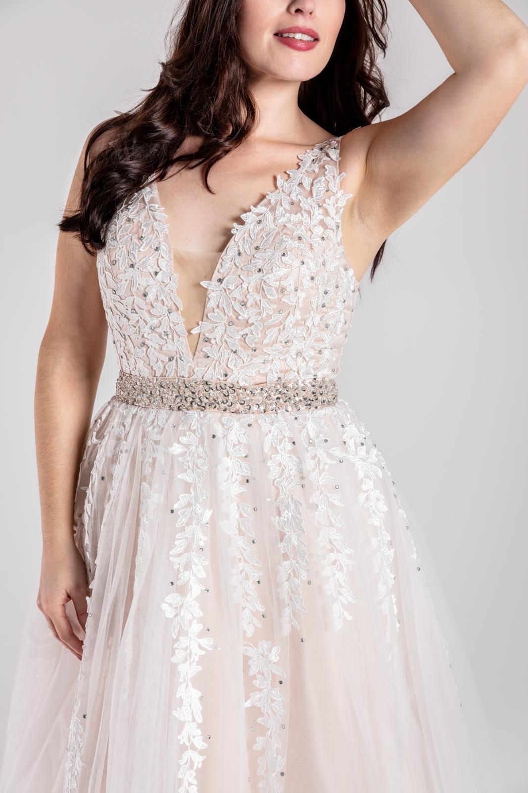 Svatební šaty v boho stylu 42-44 - Obrázek č. 1