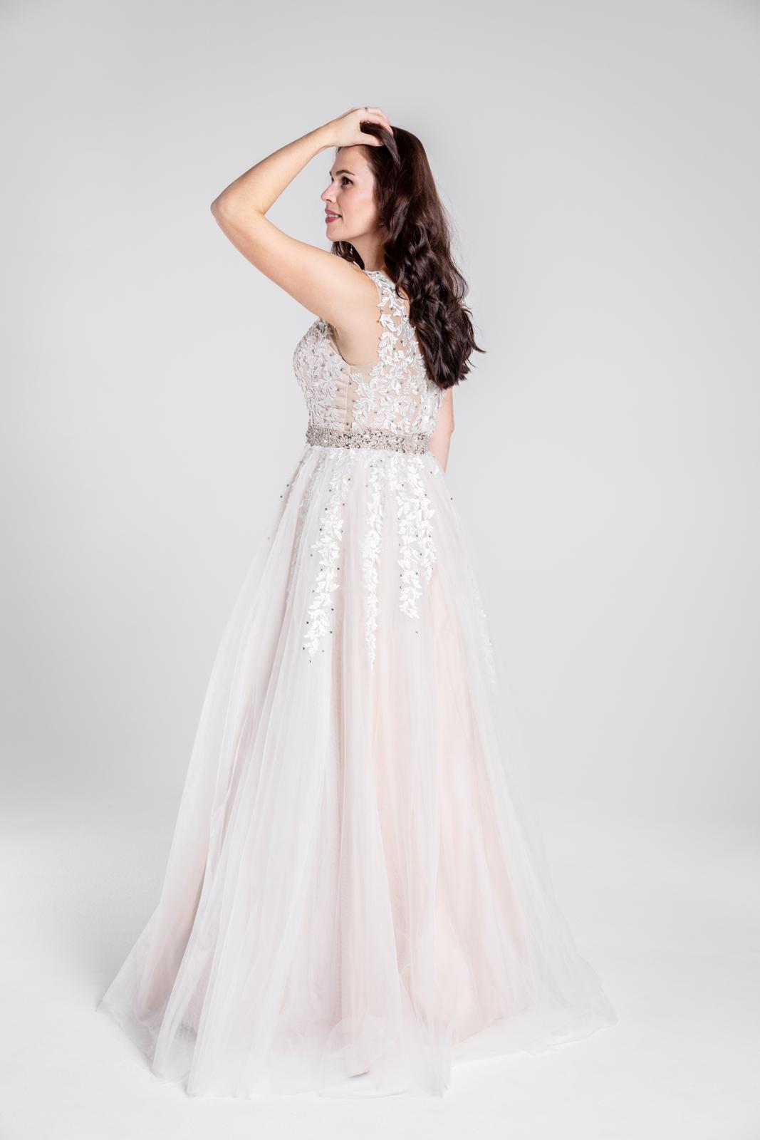 Svatební šaty v boho stylu 42-44 - Obrázek č. 3