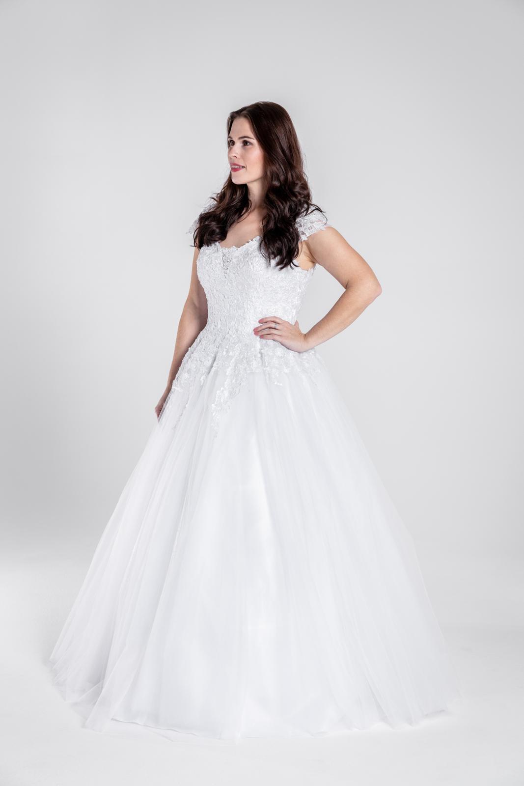 Svatební šaty, vel 40-46 - Obrázek č. 2