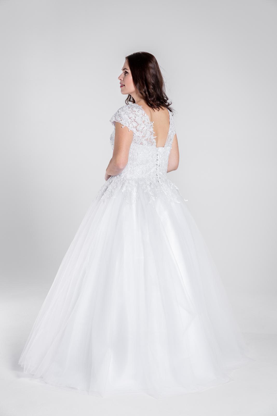 Svatební šaty, vel 40-46 - Obrázek č. 3