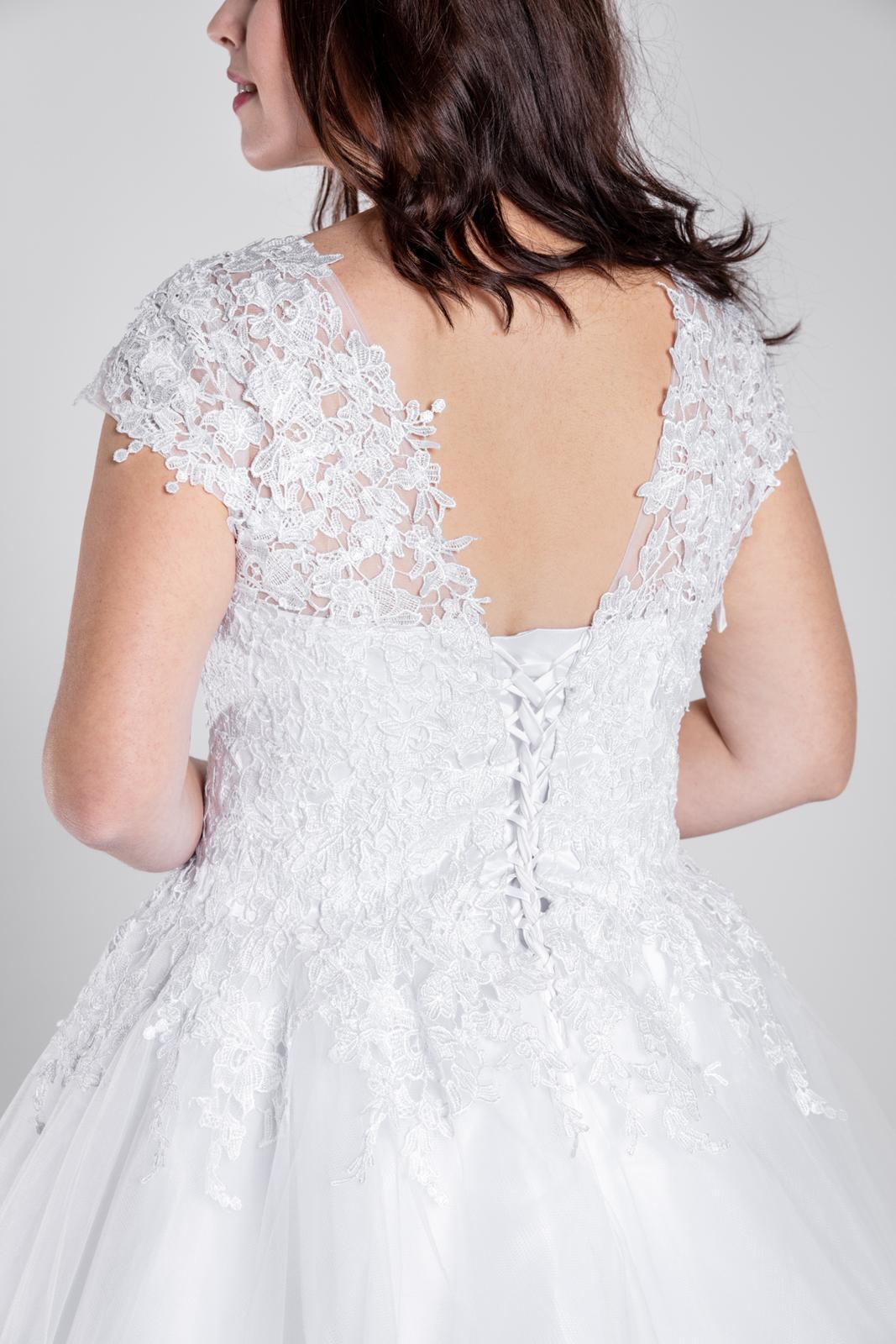Svatební šaty, vel 40-46 - Obrázek č. 4