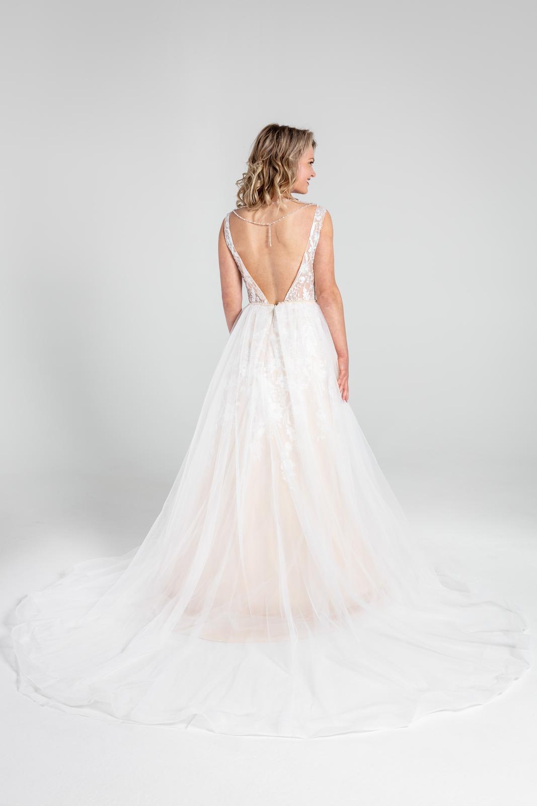 Svatební šaty v boho stylu s tylovou sukní, 36-42 - Obrázek č. 4