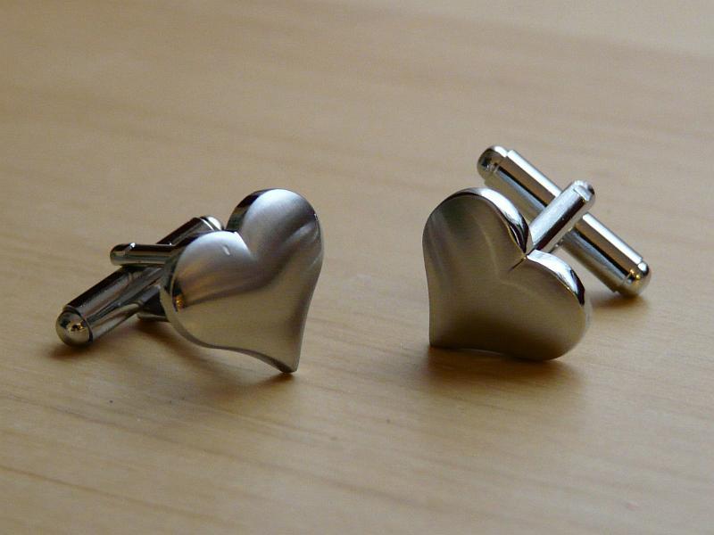 Manžetové knoflíčky ve tvaru srdce, 2 kusy (1 pár) - Obrázek č. 1