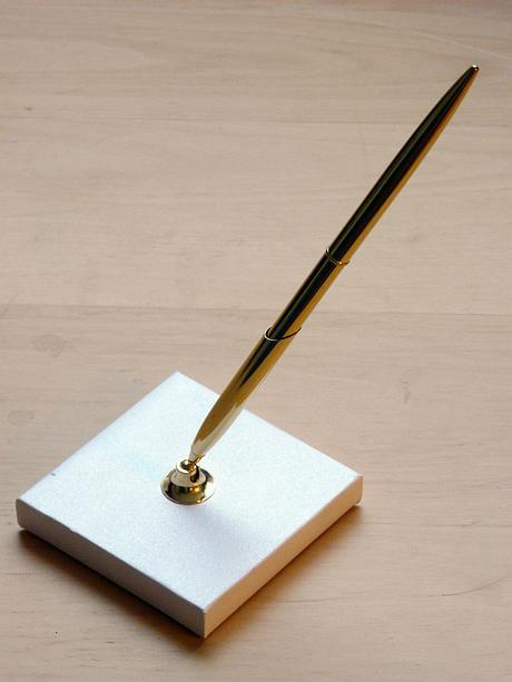 Zlaté pero na podpisy se stojánkem - Obrázek č. 2