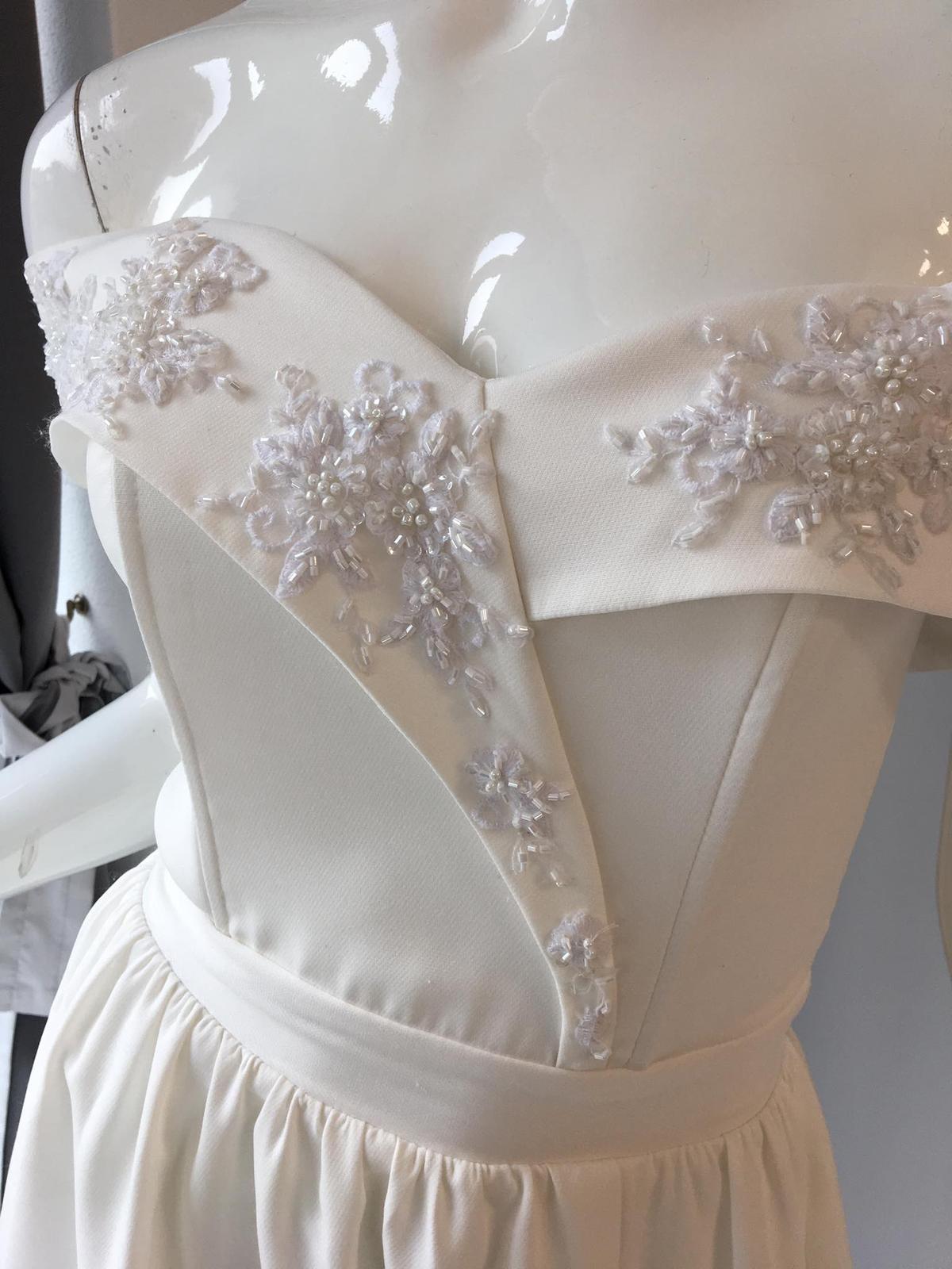Biele popolnočné šaty - Obrázok č. 2