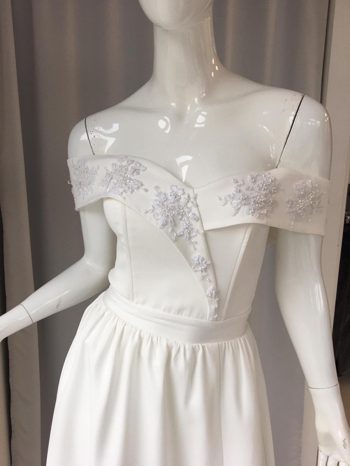 Biele popolnočné šaty - Obrázok č. 4