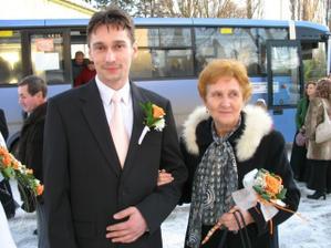 Andrej s jeho maminou na cele sprievodu