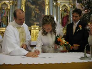 Prvý podpis manželky
