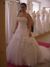 Me vyvolene saty Eddy K ze salonu Jasmine Melnik-My wedding dress