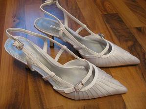 už mám aj topánky,ďakujem Melinda:)