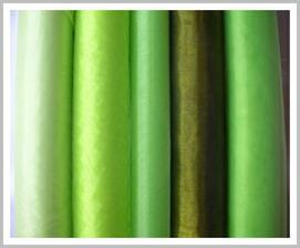 Holt budeme jak v rybníčku Brčálníčku :-) tak by to ještě chtělo Rákosníčka na dort :-) ale zelená zase uklidňuje :-)
