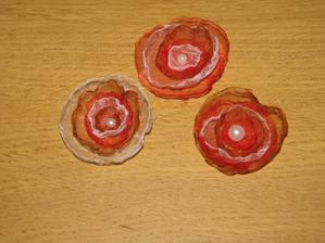 Zkouška tříbarevných květinek.