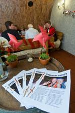 Noviny byly vlhké :) ale všem se líbily a to je hlavní..