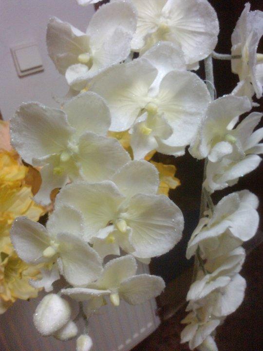 Časť výzdoby - tieto na svadobnú kyticu