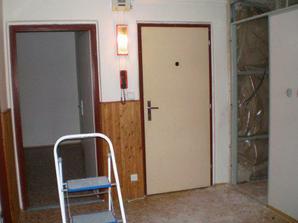 Pohľad na vchodové dvere