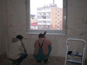 Dosť bolo rozbíjania:)))) Už sa vymieňaju plastové okná