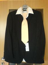 ženichův oblek