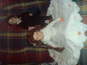tak toto jsou naše panenky, šaty šila moje sestřička Kamče :-)