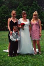 Já, moje dvě dcery a synovec Kubík